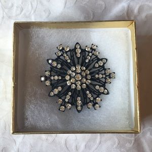 Premier Designs Black flower Diamond pin
